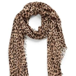 [Sole Society] Leopard Scarf